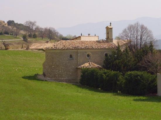 Chapelle de Beauvoisin et l\'engrain vert